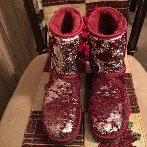 NWOT AUTHENTIC UGG W CLASSIC SHORT SPARKLES BOOT